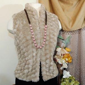 ❤️ Ladies Tan Faux Fur Vest